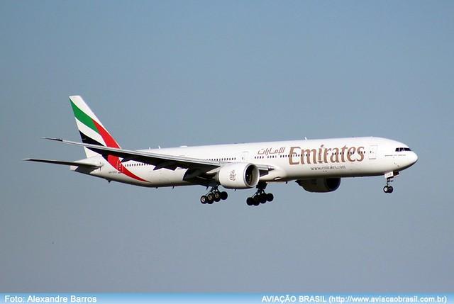 Emirates - A6-ECH