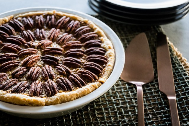 warm kahlua pecan pie
