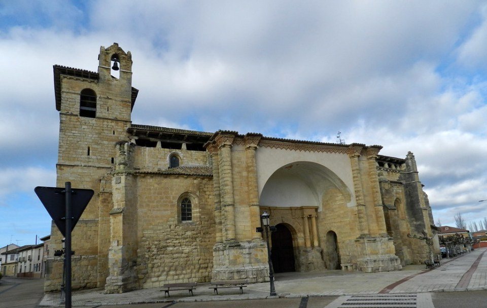 exterior Iglesia de San Pedro de Fromista Palencia 04