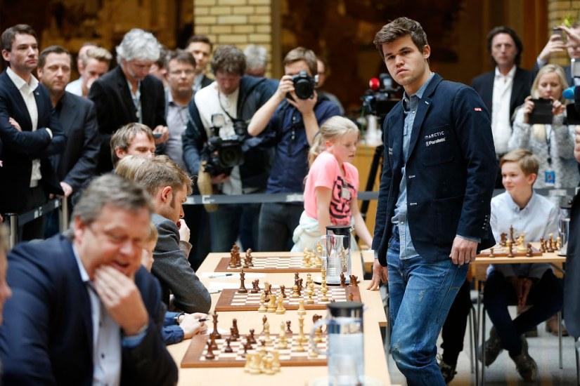 Sjakk i vandrehallen | 23. mars 2015 spilte verdensmester Ma… | Flickr
