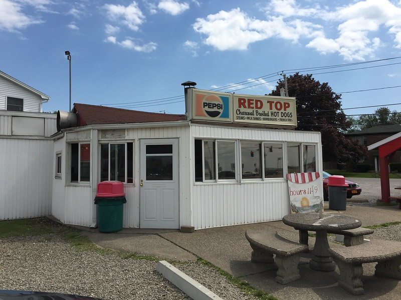A Hamburg tradition on the lake — Red Top Hots