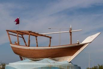 Overal zie je die Dhows, Qatar was vroeger namelijk voor de inkomsten afhankelijk van de parelvisserij. Tegenwoordig verkopen ze gas.