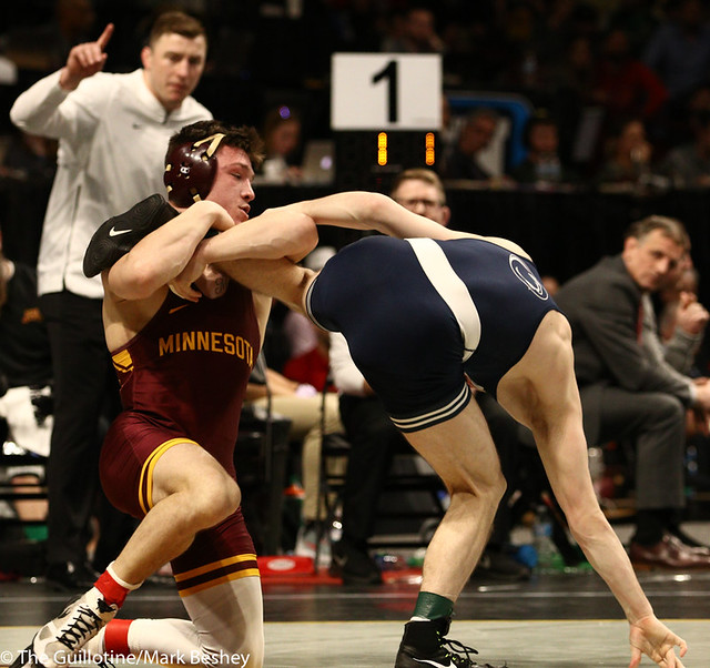 3rd Place Match - Nick Lee (Penn State) 27-2 won by major decision over Mitch McKee (Minnesota) 20-5 (MD 12-4) - 190310dmk0077