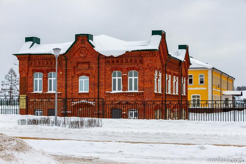 Здания на территории собора Александра Невского, Нижний Новгород