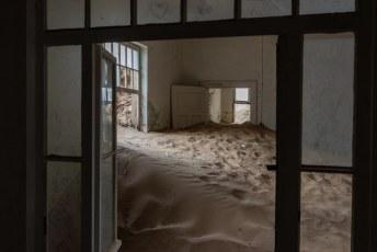 Dit is het ziekenhuis, waar men het eerste röntgenapparaat van Afrika had staan. Voornamelijk om diamanten die mijnwerkers in het lichaam probeerden te smokkelen te vinden overigens.