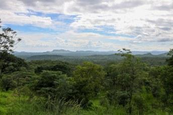 Ik vergeet vaak om even een foto van het landschap te maken, maar zo ziet veel van Zimbabwe er uit.