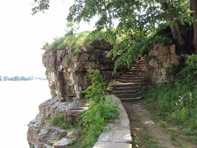 Cave-in-Rock compelling staircase