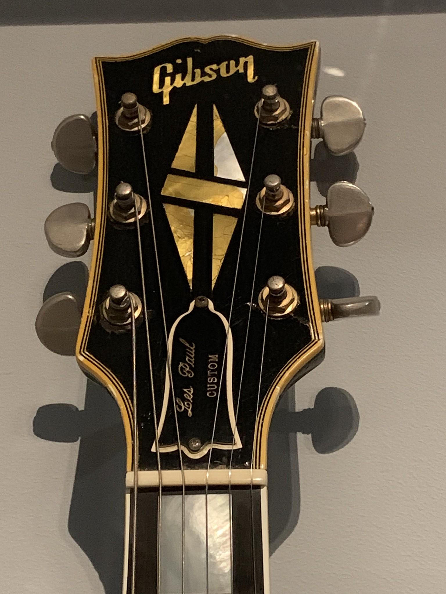 "Jimmy Page- Custom Les Paul ""Black Beauty"""