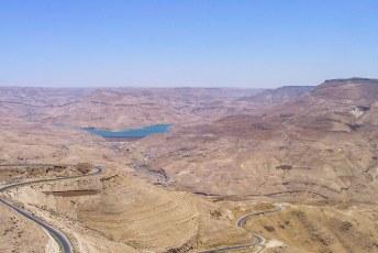 De rivier is ingedamd ten behoeve van de watervoorziening in dit gebied.