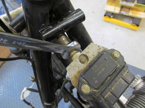 Remove Master Cylinder Brake Line From Splitter Manifold