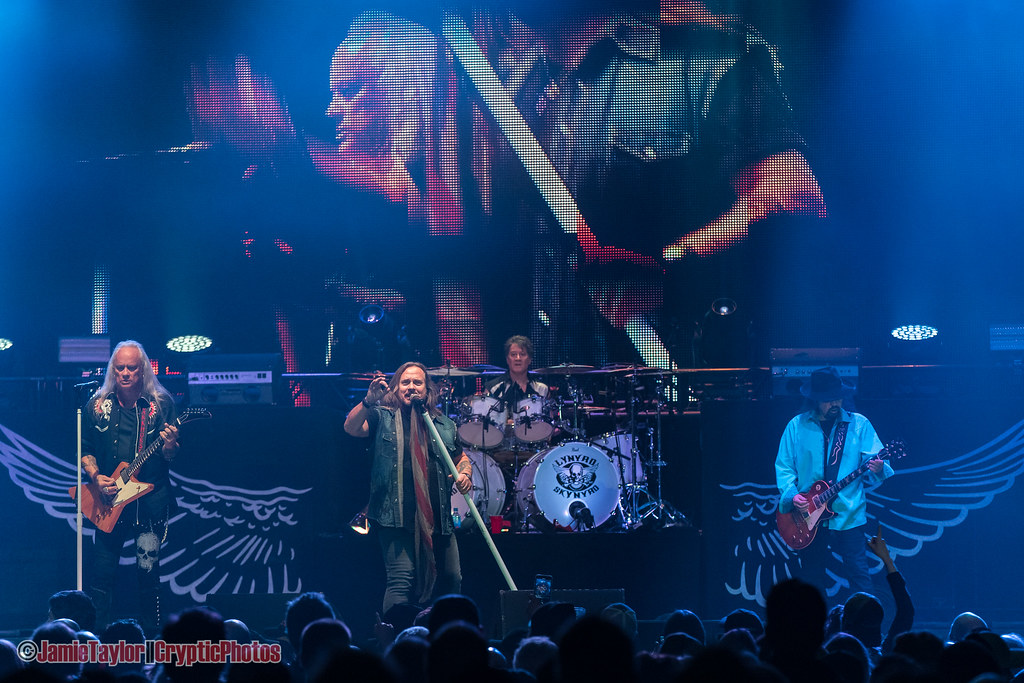 photos the last of the street survivors farewell tour ft lynyrd skynyrd abbotsford centre. Black Bedroom Furniture Sets. Home Design Ideas