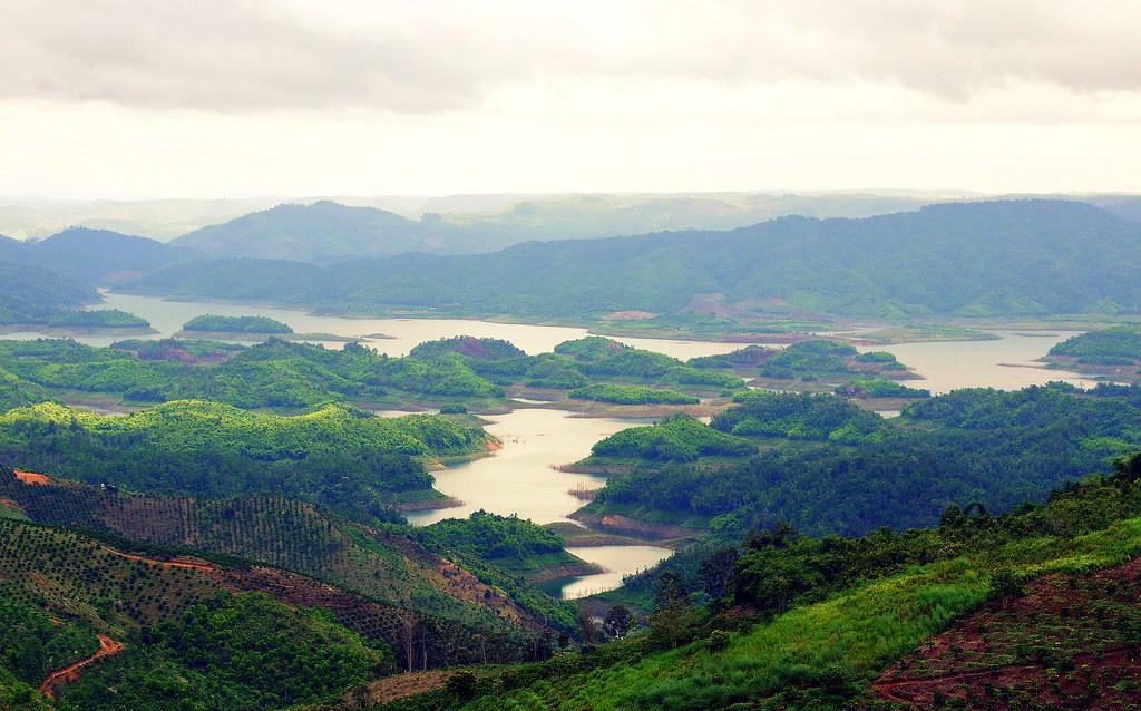 Ta Dung Lake