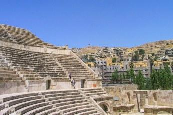 Even later stonden we in dat amfitheater, de tempel van Hercules is van daar nog net te zien.