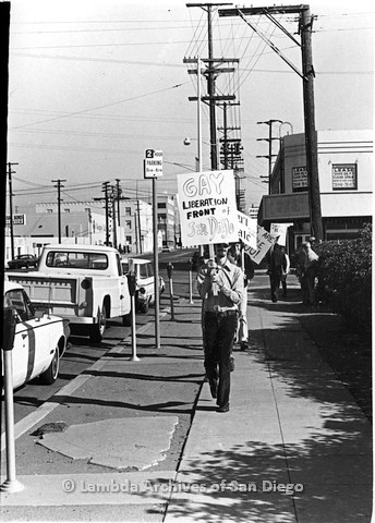 P180.019.02m.r.t  Stephen Bell leading the picket line down the street