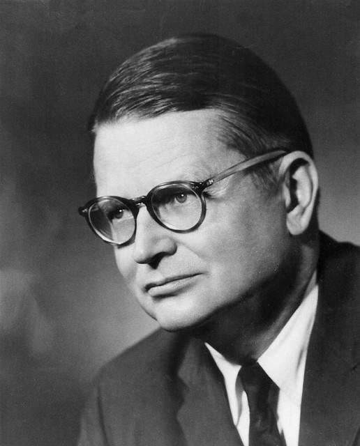 Gov. Carlton Skinner