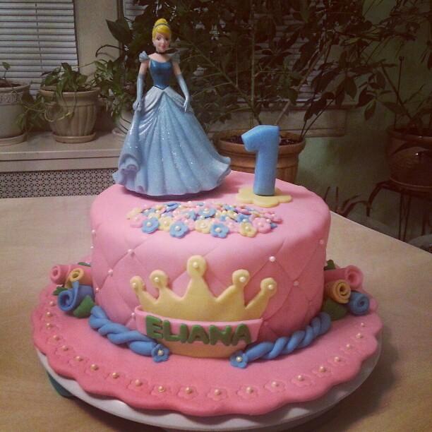 Disney Princess Girl First Birthday Cake Carolina Pauta Flickr
