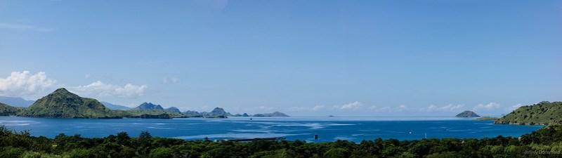2013-03-23 Komodo Cruise - Komodo Island View-FullWM