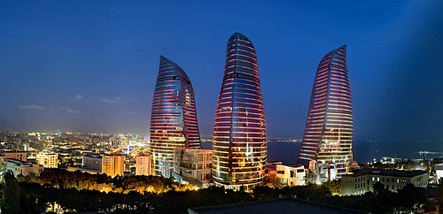 Panoramic view of Baku (2)