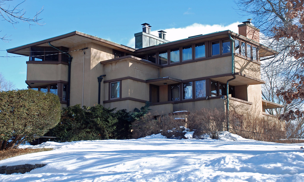 Gilmore House (1908) by Frank Lloyd Wright