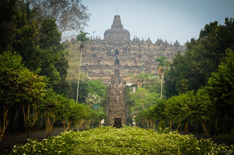 2013-04-01 Borobudur - DSC03617-FullWM