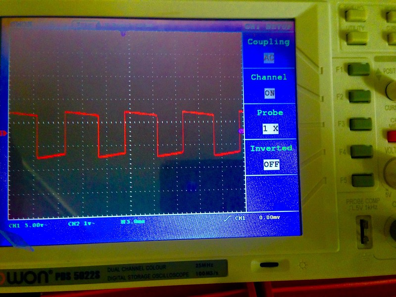 Success! Square wave oscillation.