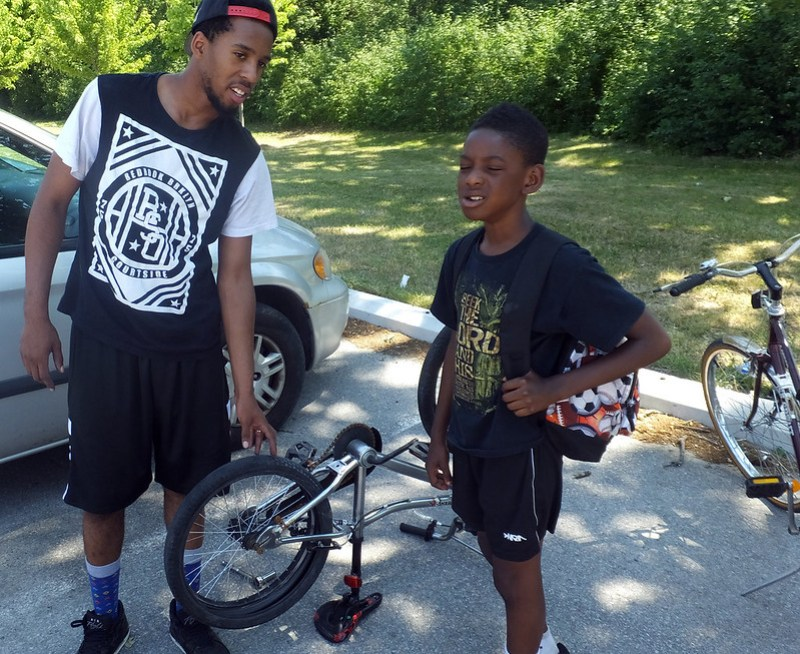 2016 05 McMurchy Community Bike Clinic_700