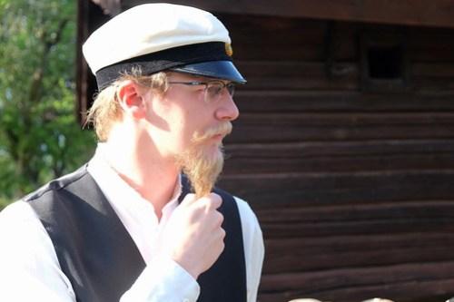 Aidan Gustavsson spelar folklivsforskaren Gustav Olsson i vuxen ålder