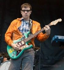 resized_RTS-2013-Weezer11