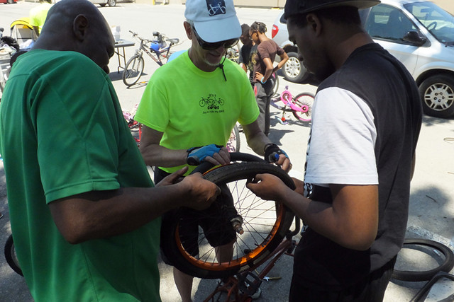 2016 21 McMurchy Community Bike Clinic_700