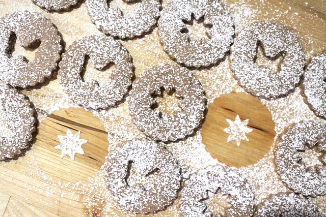 Linzer Cookies - 18