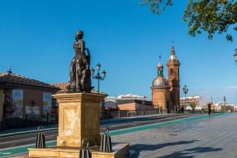 Plaza del Altozano, met op de achtergrond de Capilla Virgen del Carmen.