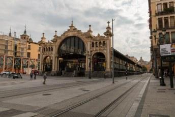Dit is de Mercado Central vlakbij mijn hotel in de César Augusto straat.
