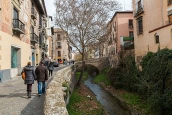 De carrera Del Darro in de wijk Albaicín.