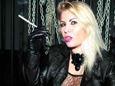 blond mistress