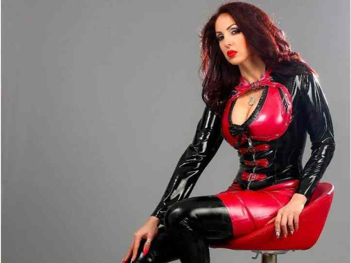 latex cams, women in fetish latex, sexy girls wearing rubber