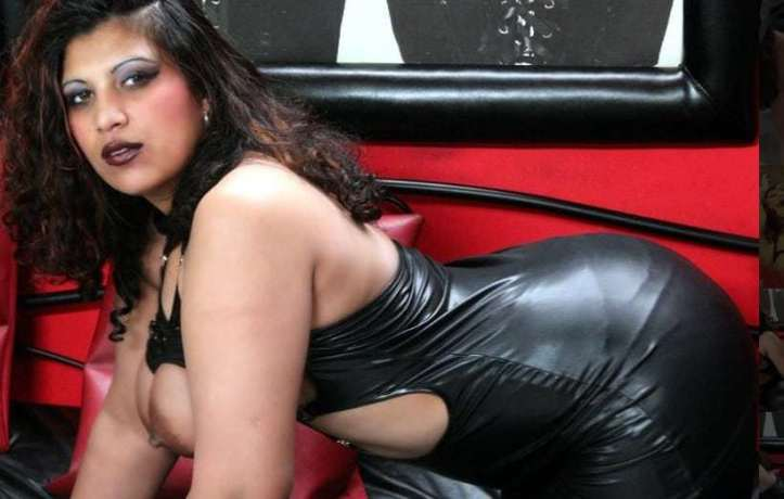 latex fetish cams, hot women in shiny clothes