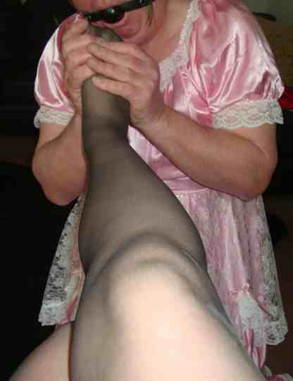 footplay, feetchat,foothumiliation