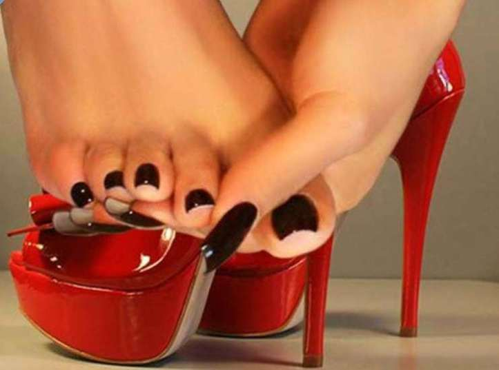 sexy feet, girls sexy foot, hot foot fetish