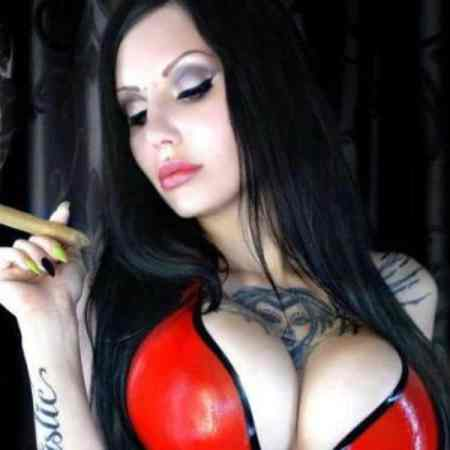 smoking fetish mistress