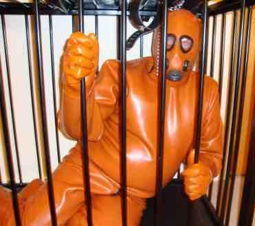 gas mask slave