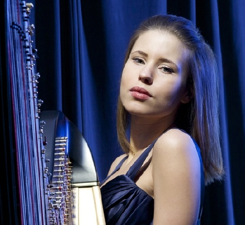 Book A Solo Female Harpist in London - Live Classical Ensemble