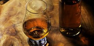 Whisky formam parceria com o uso de Blockchain