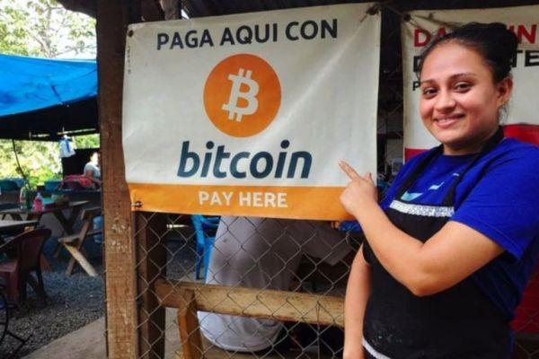 Market in El Salvador accepting Bitcoin