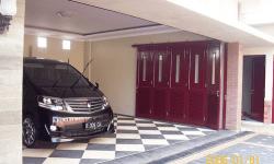 30 Desain Keramik Garasi Mobil Minimalis Terbaru
