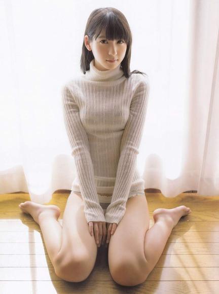 松岡菜摘のグラビア画像051
