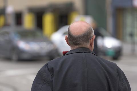 bald-742823_640