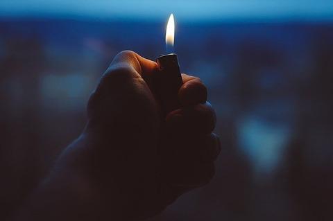 lighter-1245660_640