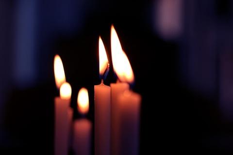 candle-225036_640