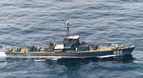 ok...沈没した北朝鮮1960年代に中国で建造したの「037型海南型駆潜艇