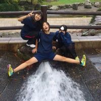 女子高生がアヘ顔で股から水噴いてる画像で遊んでみたww